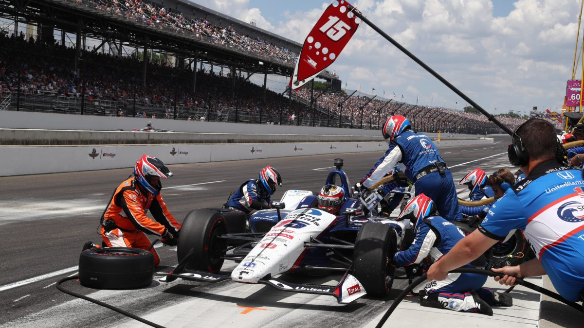 How Many Laps In Indy 500 >> Rahal Servia Led The Indy 500 With Servia Leading With Less Than