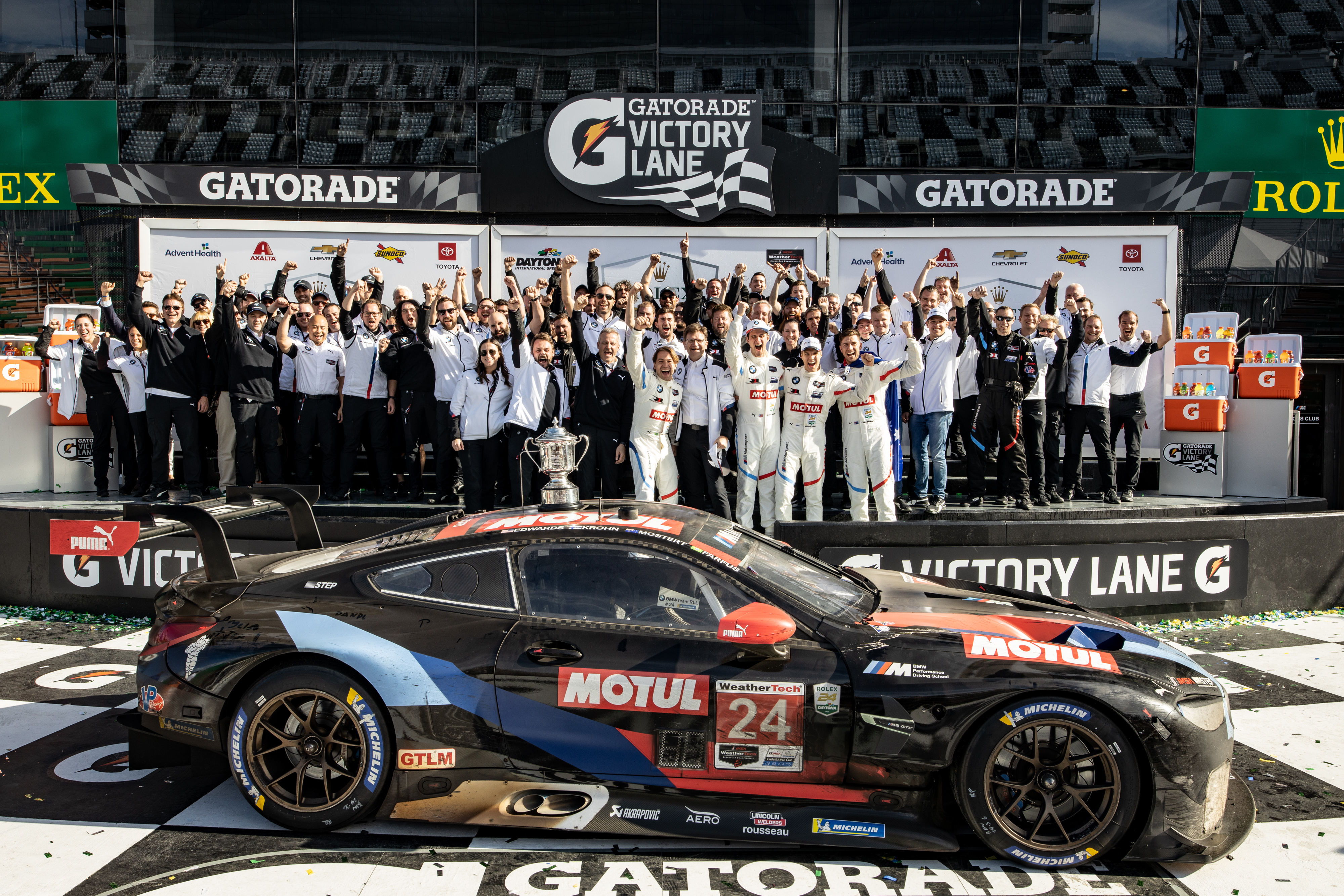 Bmw Team Rll Wins Daytona Thriller Second Gtlm Consecutive Triumph For The Bmw M8 Gte At The Imsa Season Opener Rahal Letterman Lanigan